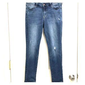 Old navy rockstar distressed jeans. 10/short